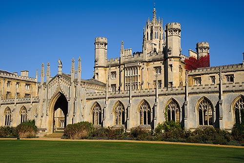 Tolle Kulisse zum Studieren in England: St. John's College in Cambridge